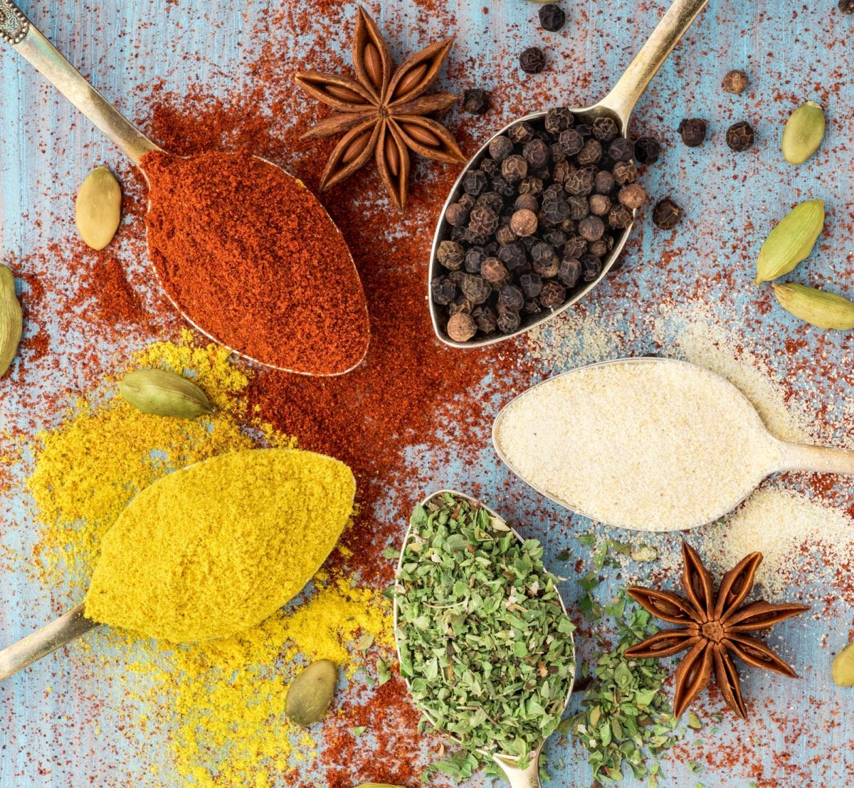4 herbs and spices that enhance the flavor of your food