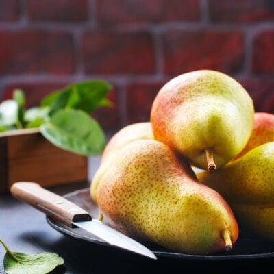 5 healthy fat-burning foods to eat throughout fall. pears