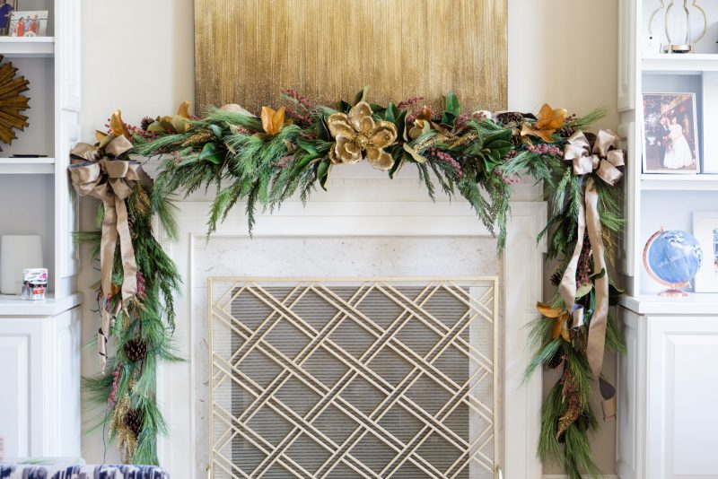 christmas-mantle-garland-2020-800x534.jpg